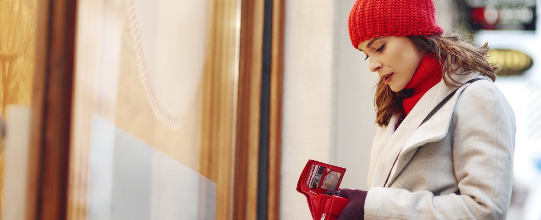 Más de 1 de cada 4 estadounidenses esperan endeudarse en esta temporada navideña